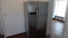 Flur und großer zusätzlicher Kühlschrank